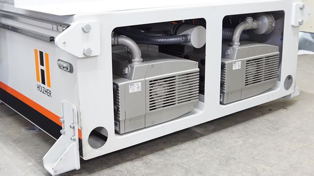 The integrated vacuum pumps are extremely space-saving