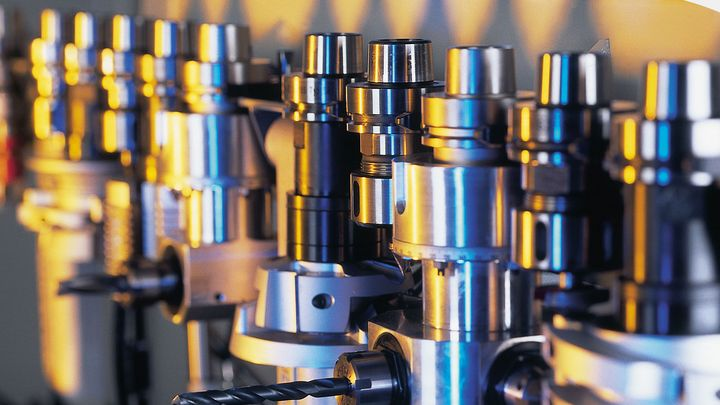 Tool changer for variable machining
